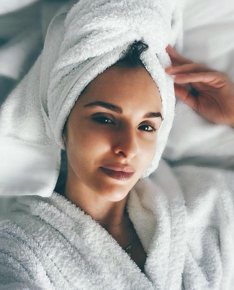 Софья Каштанова в халате